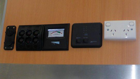 Ozcape Slide-On for dual cab, shorta control panel