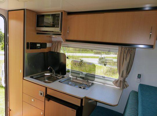 Ozcape Slide-On camper for dual cab, shorta kitchen